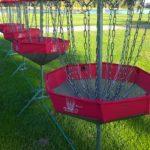 Frisbeegolf sopii hyvin tykypäivän lajikokeiluihin Aulangolla.